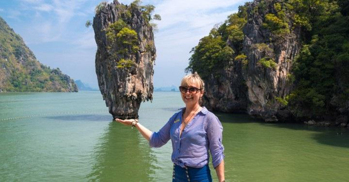 ISLAND OF PHI PHI - BEACHES, REST, HOTELS AND RECOMMENDATIONS