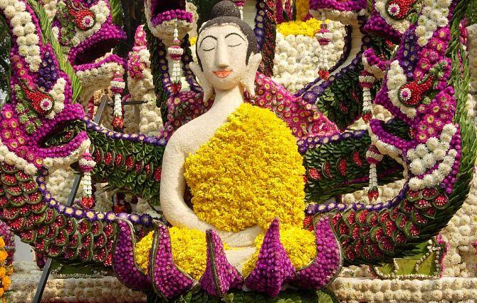 цветочный Будда