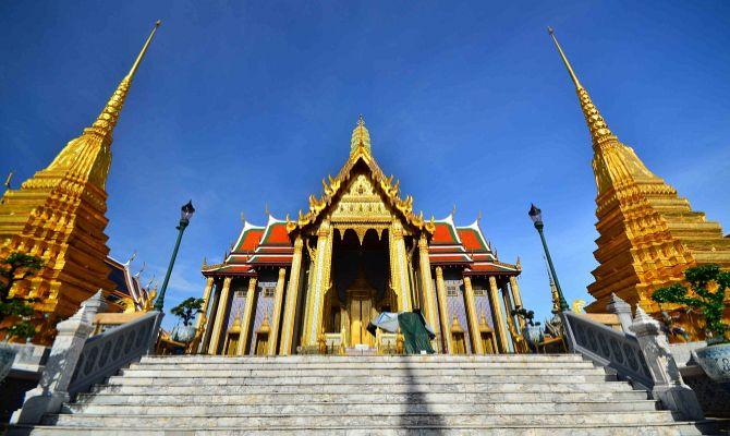 Храм Изумрудного Будды -  история и обзор храмового комплекса