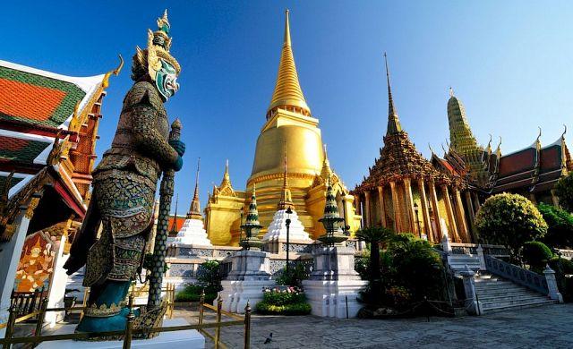 Ват Пхра Кео (Wat Phra Kaeo)- главный храмовый комплекс Таиланда