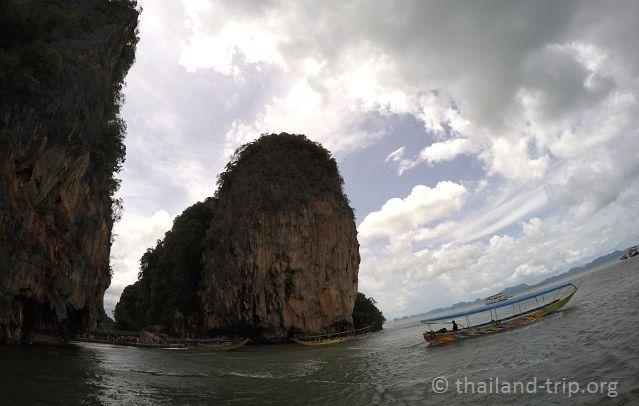 Bond-Island