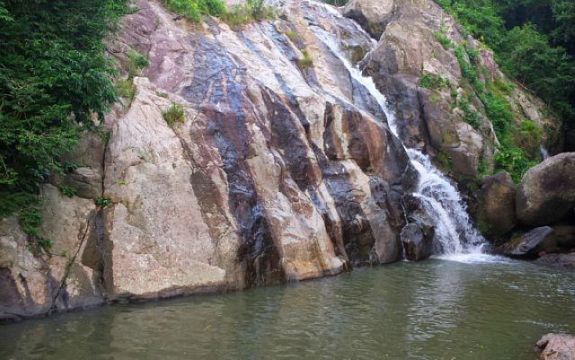 Водопад Hin Lad