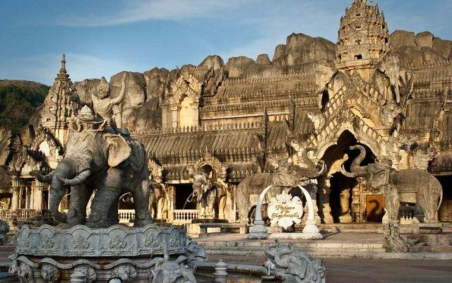 Каменный Дворец Слонов