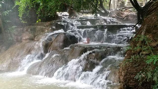 Khlong-Thom-Waterfall