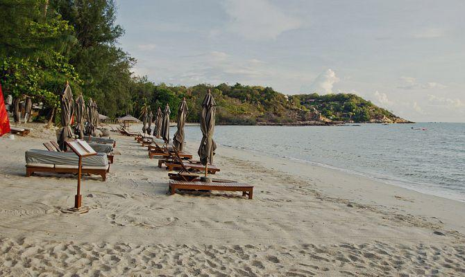 Пляж Чонг Мон (Choeng Mon) на острове Самуи