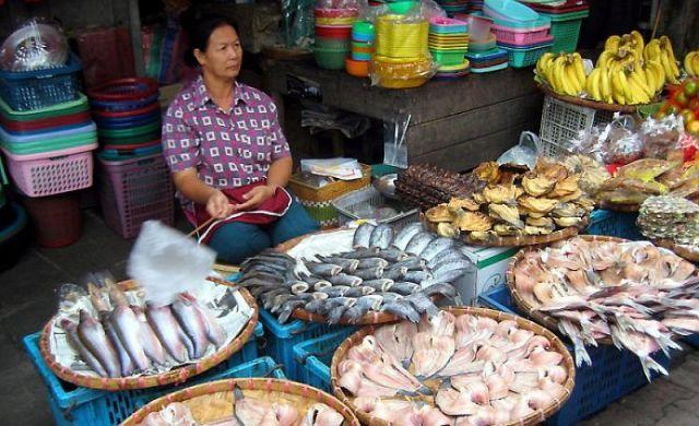 Рынок в Ban Phe