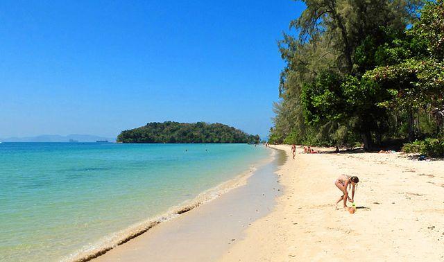 дикий пляж клонг муанг