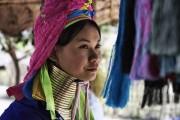 Женщины с длинными шеями - племя Карен, Таиланд