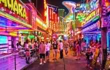 Soi Cowboy - улица красных фонарей в Бангкоке