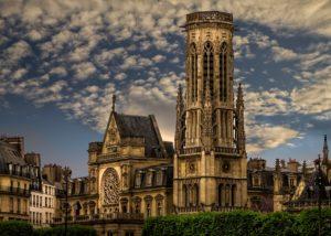 8 สถานที่ท่องเที่ยวในปารีส