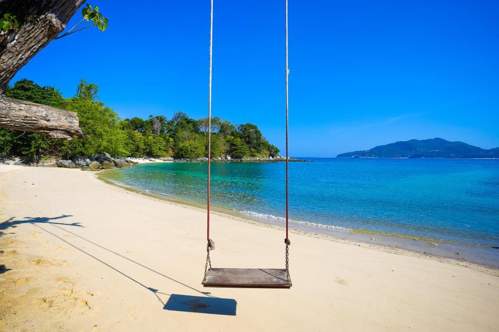 Description of the beach Paradise Phuket