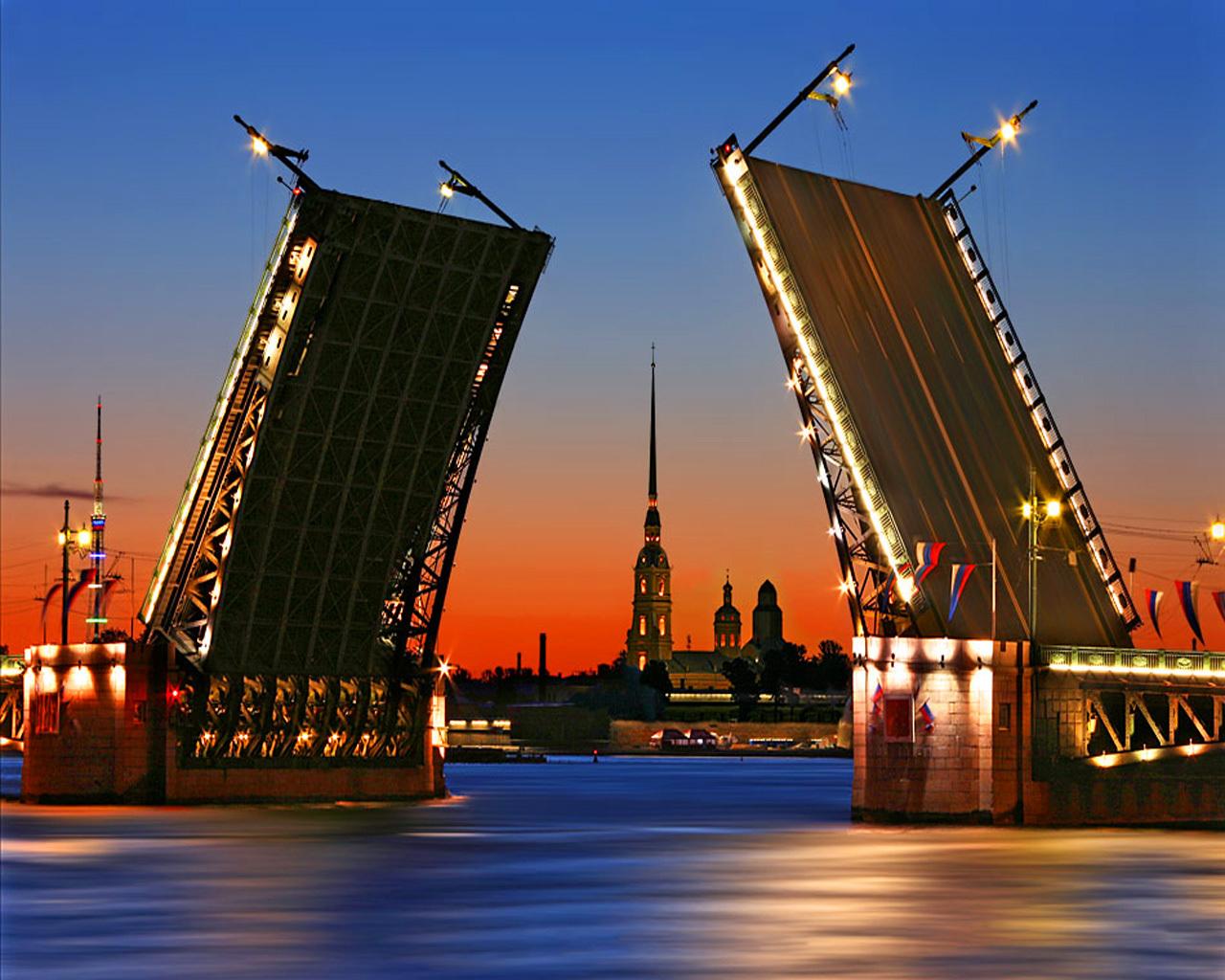 Разводные моста Питера