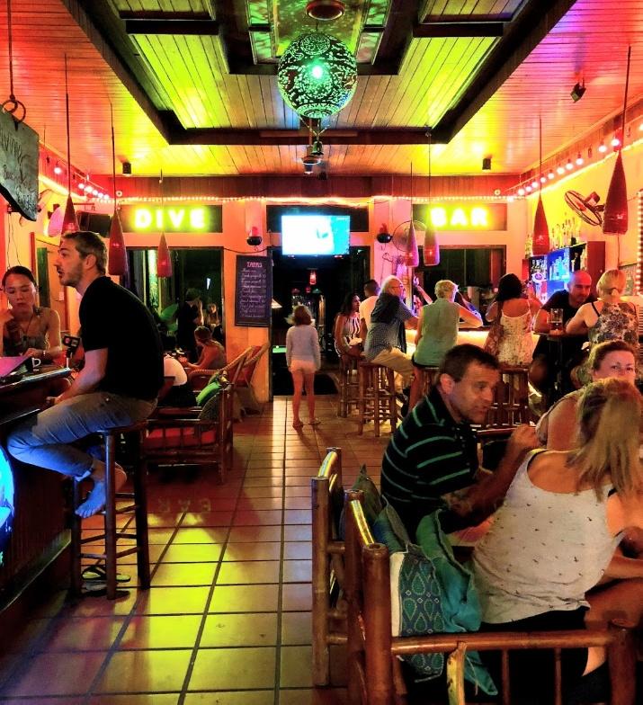 Dive Bar Hanoi