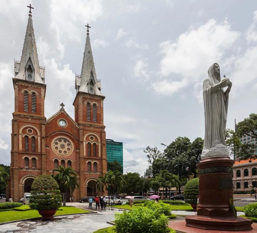 Вьетнамский Собор Нотр-Дам