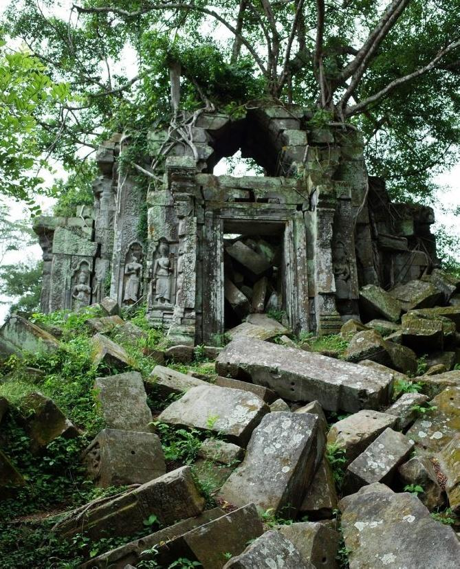 Discover the jungle temple Beng Mealea