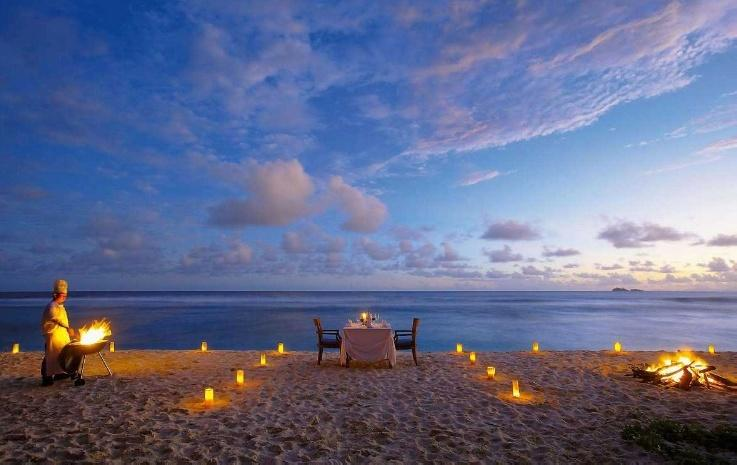 Candlelight Dinner on Beach