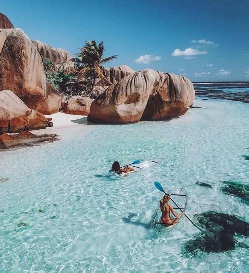 Seychelles Weather in April