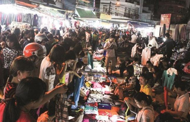Minh Phung Night Market