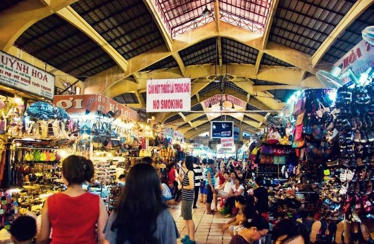 Hoa Binh Night Market