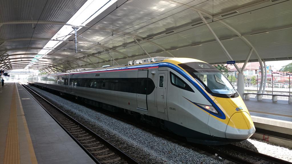 Высокоскоростной поезд из Куала-Лумпура