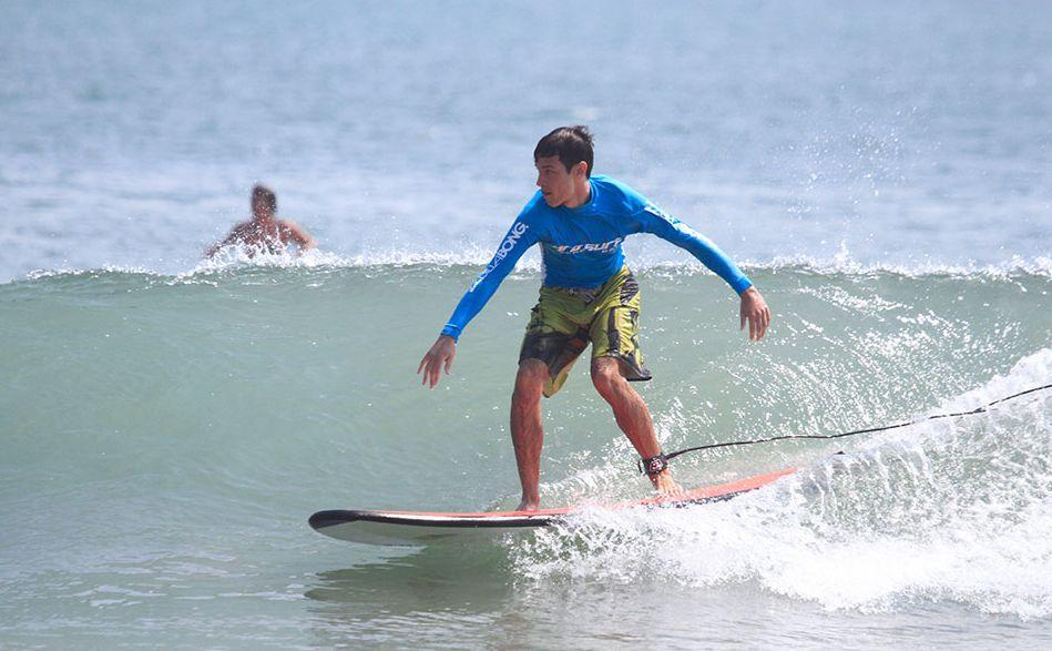 Chaweng Beach surfing