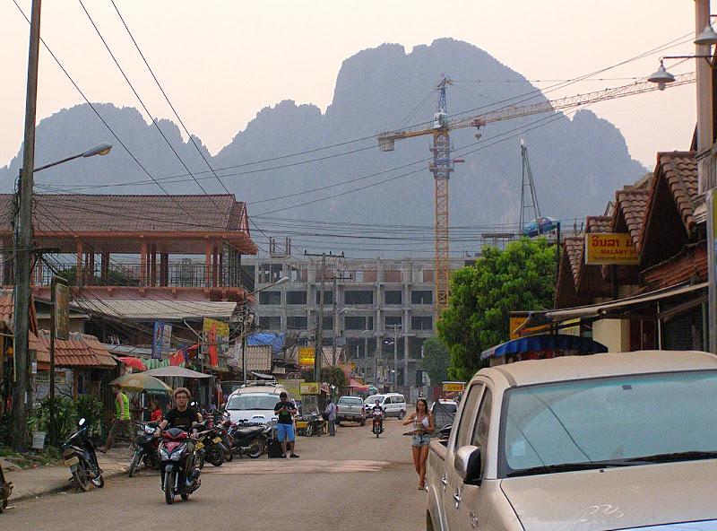 Минивэны в Ванг Вьенге
