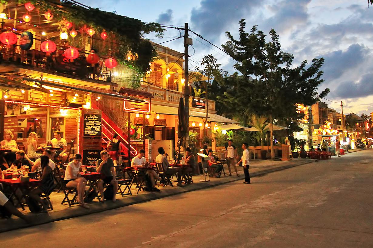 Ресторан в Хойане