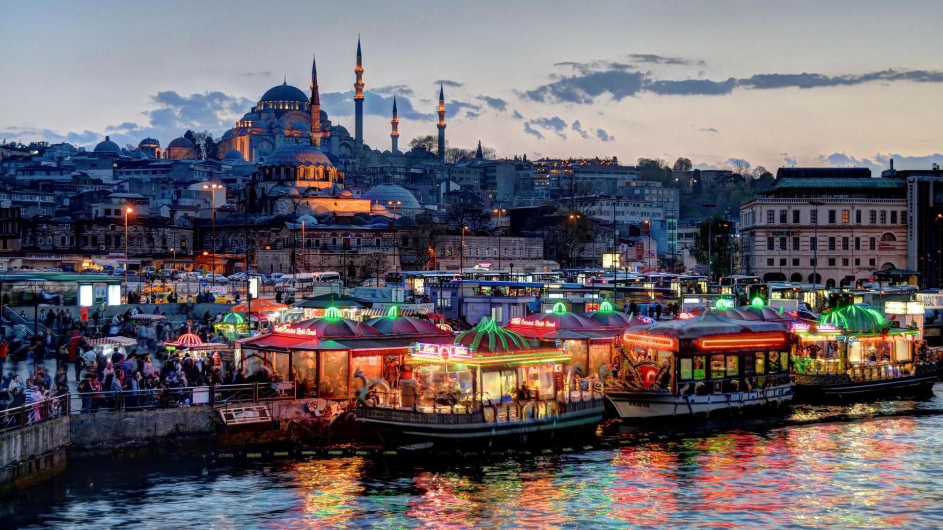 Aklè nan Istanbul: ki sa yo wè ak ki kote yo ale