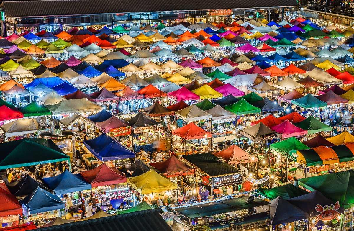 6 Bangkok gecə bazarlarında gec alış-verişdən zövq almaq