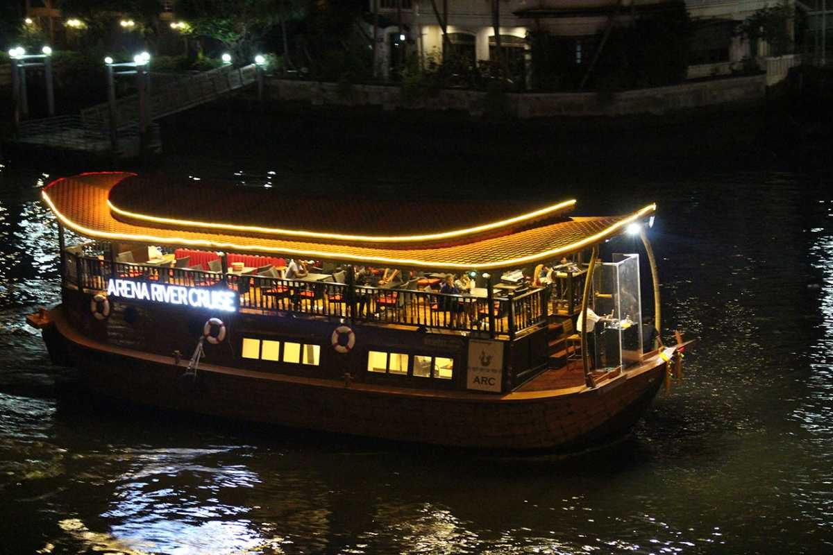 Bangkokdakı Xnumx Dinner Cruise - Ən yaxşılarından həzz alın
