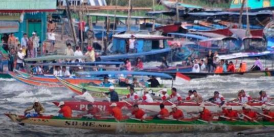 เทศกาลแข่งเรือ Bidar