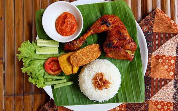 Bangkokdakı halal yemək: Halal sınamaq istəyən səyahətçilər üçün restoran və küçə yemək yerləri