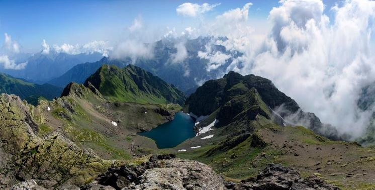 Panoramas to bigger and smaller Okrostskali lakes in August
